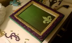 Nadia's DIY Projects: DIY Mardi Gras Picture Frame