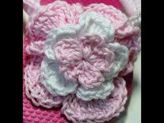 How to crochet 2 - 3 layer fluffy flowers Video ♡ ✿Teresa Restegui http://www.pinterest.com/teretegui/✿
