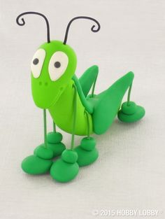 Attention clay crafters: It's time to go green! This happy hopster gets his leggy look from green craft wire—the antennas are wiretoo.