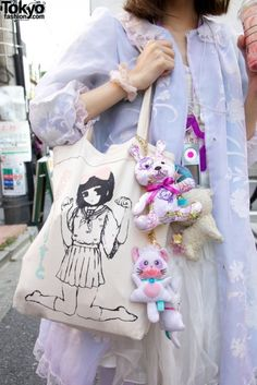 look at that bag!! although i think this borders on fairy kei