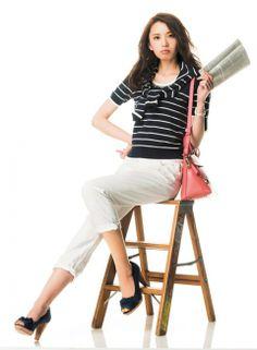 【着まわしday7】紺色アンサンブルニット×白デニムパンツ   ファッション コーディネート   with online on ウーマンエキサイト