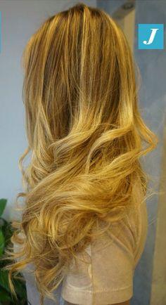 Magia di biondo _ Degradé Joelle  #cdj #degradejoelle #tagliopuntearia #degradé #igers #musthave #hair #hairstyle #haircolour #haircut #longhair #ootd #hairfashion