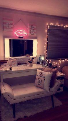 My vanity is done! beautifull rooms room decor, vanity room og makeup r Dream Rooms, Dream Bedroom, My New Room, My Room, Sala Glam, Cute Room Ideas, Vanity Room, Vanity Chairs, Mirror Vanity