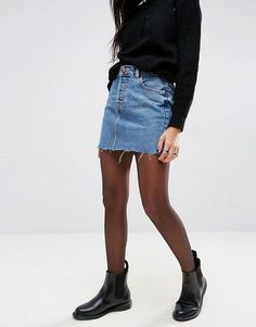 Nice 41 Stunning Winter Outfits Ideas With Jean Skirts. More at http://trendwear4you.com/2018/01/10/41-stunning-winter-outfits-ideas-jean-skirts/