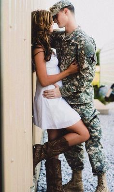 76 Gorgeous Couple Poses to Inspire Your Engagement Photos Boudoir Couple, Couple Posing, Couple Shoot, Cute Couple Poses, Couple Maternity, Maternity Pictures, Military Couples, Military Love, Military Maternity
