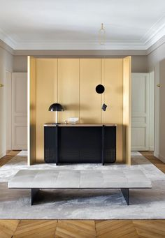 Dressing room by Stéphane Parmentier track bench by living divani by david lopez quinces Interior Exterior, Modern Interior, Interior Architecture, Luxury Furniture, Furniture Design, Living Divani, Living Spaces, Living Room, Piece A Vivre