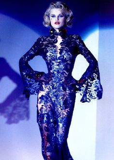Thierry Mugler, the waist, the hips: she means business.
