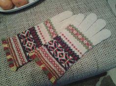 Estonian traditional knitting, Setu wedding gloves from 1890s, knitted by Jana Kuningas