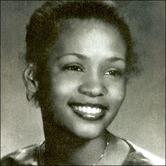 A gracious and truly sweet person.shows in her face even back then in this photo of a younger Whitney Houston Whitney Houston Young, Whitney Houston Pictures, Blues Rock, Celebrity Yearbook Photos, Young Celebrities, Celebs, Hollywood Celebrities, Hollywood Actresses, Childhood Photos