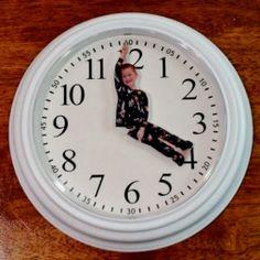 DIY - Ένα αστείο και πανέξυπνο ρολόι!