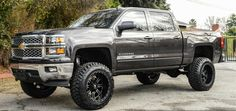I genuinely appreciate what they did to this custom Custom Chevy Trucks, Chevy Pickup Trucks, Gm Trucks, Chevrolet Trucks, Cool Trucks, 2015 Chevy Silverado, 2014 Chevy, Chevy Silverado 1500, Chevy Silverado Accessories