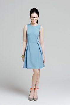 Błękitna, wiosenna sukienka w stylu glamour / Blue glamour dress