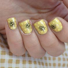 Pink & Polished: I'm bringing home a baby bumble bee! Bumble Bee Nails, Baby Bumble Bee, Nail Polish Trends, Nail Trends, Nail Art Techniques, Pink Polish, Funky Nails, Stamping Nail Art, Nagel Gel