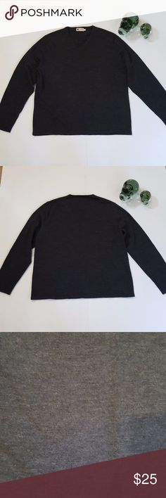 J.Crew Women's Merino Wool Knit Size L J.Crew Women's Merino Wool Knit Size L Colour Dark Grey 100% Fine Merino Wool Measurements: Shoulder To Shoulder 18 Inchs Bust 24 inchs Waist 22.5 Inchs Length 26 Inchs Arms 24.5 Inchs Excellent Condition J. Crew Sweaters V-Necks