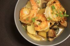 Coconut Curry Shrimp.  162 calories and 4 weight watchers points plus. Use olive oil to improve nutrition.