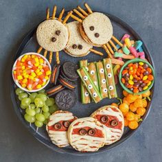 to make a Spooky Halloween Snack Board. Get tips and directions to make heal. How to make a Spooky Halloween Snack Board. Get tips and directions to make heal., How to make a Spooky Halloween Snack Board. Get tips and directions to make heal. Halloween Desserts, Spooky Halloween, Comida De Halloween Ideas, Soirée Halloween, Hallowen Food, Halloween Party Snacks, Halloween Appetizers, Halloween Goodies, Healthy Halloween Treats