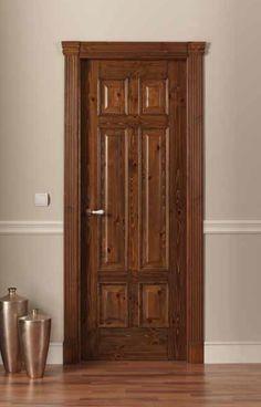 Fotos de puertas en madera cedro interiores y principales for Puertas de madera interiores