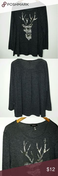 "Style & Co 2X Top Dark Gray Style & Co size 2X top. Dark gray with gold and white designed front. Lacey shoulders. Long sleeves. Polyester and rayon. Pre owned, looks new. Smoke and pet free. Bust up to 54"". A little longer in back. Style & Co Tops Tees - Long Sleeve"