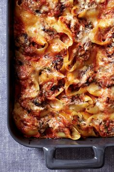 Ricotta-and-Fontina Stuffed Shells // would be good made beforehand. Freeze.