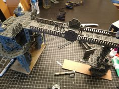 I've seen ladders used as railings, before, but I was recently inspired by Warhammer World's new Necromunda display. Game Terrain, 40k Terrain, Wargaming Terrain, Necromunda Gangs, Warhammer Terrain, Warhammer 40k Miniatures, Fantasy Miniatures, Mini Paintings, Warhammer 40000