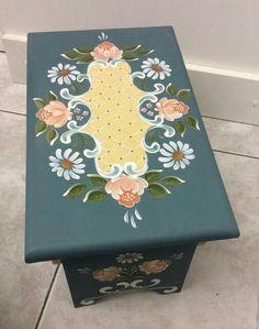 One Stroke Painting, Tole Painting, Painting & Drawing, Painting Recipe, Rosemaling Pattern, Norwegian Rosemaling, Russian Folk Art, Boat Art, Scandinavian Folk Art