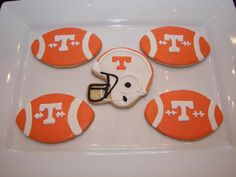 Tennessee Football Cookies Brown Hackett Maybe these for an upcoming birthday party in August? Football Cookies, Football Snacks, Ut Football, College Football, Sugar Cookie Royal Icing, Sugar Cookies, Tailgate Food, Tailgate Parties, Tailgating