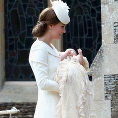 Pin for Later: Découvrez Toutes les Photos du Baptême de la Princesse Charlotte