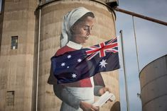 A WWI nurse on a 20 metre high mural on the disused grain silos in the small town of Devenish in northern Victoria. Street Wall Art, Street Art Graffiti, Installation Street Art, Country Art, Big Country, Graffiti Painting, Chalk Drawings, Mural Art, Murals