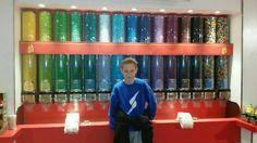 Marco bij M&M store in Londen
