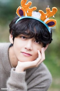 Shared by ੈ♡˳ᴅᴇsᴛɪɴʏ? Find images and videos about kpop, bts and jungkook on We Heart It - the app to get lost in what you love. Bts Taehyung, Bts Bangtan Boy, Bts Boys, Jimin, Taehyung Photoshoot, Daegu, K Pop, Foto Bts, Bts Christmas