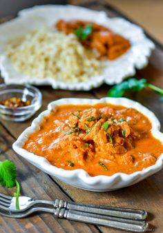 Restaurant Style Butter Chicken in Slow Cooker How about coming home from work, and a restaurant quality Indian Butter Chicken dinner is waiting for you? This is the charm of slow cooker, my friends. Today, I'm givi… Slow Cooker Recipes, Crockpot Recipes, Chicken Recipes, Cooking Recipes, Healthy Recipes, Healthy Chicken, The Menu, Macaroons, Tostadas