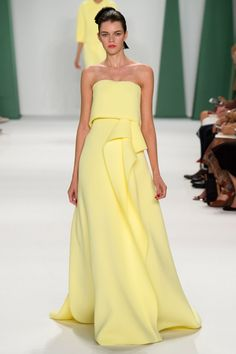 New York Fashion Week Spring 2015 Ready-to-Wear - Carolina Herrera Strapless Yellow Gown Look 10 on Moda Operandi Couture Mode, Style Couture, Couture Fashion, Runway Fashion, Fashion Glamour, Carolina Herrera, Beautiful Gowns, Beautiful Outfits, Look Fashion