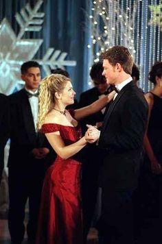 Sabrina Spellman & Harvey Kinkle | Sabrina the Teenage Witch (1996 - 2003) #melissajoanhart #naterichert #couples