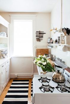 9 Dreamy tricks to make a small kitchen look bigger