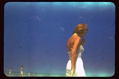 'Vibrant': one of a series of pictures Gordon Lameyer took of Sylvia Plath during their time together in the (Simon & Schuster) Anne Sexton, Beauty Killer, The Sunday Times, American Poets, Picture Postcards, Sylvia Plath, Cool Photos, Amazing Photos, Nonfiction