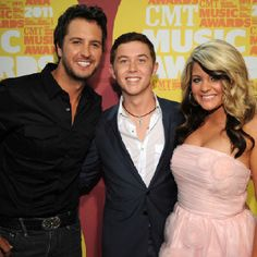 Luke Bryan, Scotty McCreery,and Lauren Alaina....three of my most favorite people EVER!! This picture just makes me so happy :)