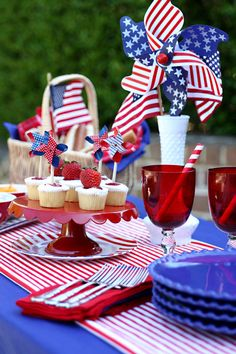 inspiring red white and blue memorial day party ideas, outdoor living, patriotic decor ideas, seasonal holiday decor