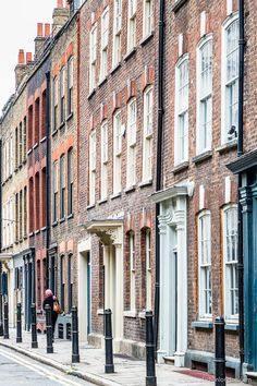 A colorful street with lots of exposed brick in the heart of Spitalfields, London. #exposedbrick #london #spitalfields