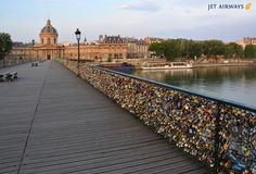 The hundreds of thousands of Locks on the Pont Des Arts Bridge, Paris France. Paris Amor, Best Honeymoon Locations, Love Lock Bridge, Triomphe, Romantic Honeymoon, Europe, Tours, Parcs, Paris Travel
