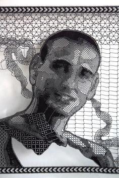 Portrait récent de Cap-artiste  de Pierre Fouché   Utilise la dentelle aux fuseaux en fil de polyester.