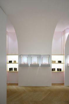 Nuun jewellery shop by Java Architectes
