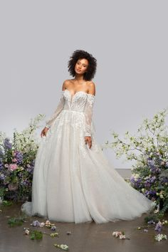 Style 62102 Radley Hayley Paige bridal gown - Nightshine sparkle embroidered ball gown, deep sweetheart neckline and detachable off-the-shoulder dream catcher sleeves, full ball gown skirt with embroidered applique at the hip and sparkle throughout. Classic Wedding Dress, Gown Wedding, Dream Wedding, Sequin Wedding, Sydney Wedding, Glitter Wedding, Wedding Things, Wedding Bells, Designer Wedding Dresses