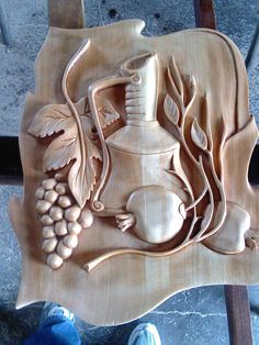 Wood Carving Designs, Wood Carving Art, Wood Art, Wood Turning Projects, Wood Projects, Pennywise Poster, Bamboo Light, Clay Wall Art, Plaster Art