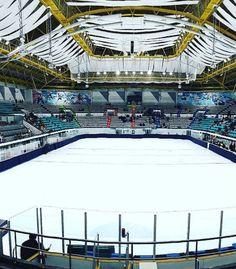 Mokdong Ice Rink 목동 아이스링크 in Seoul, South Korea Ice Rink, Skating Rink, Amazing Race, Ice Hockey, Roxy, Korea, Bucket, Racing, Interior Design