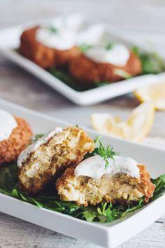 vegan crab cakes with horseradish dill tartar sauce