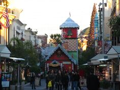 Going to The Grove when it's all gussied up for Christmas. | 33 Things People In Los Angeles Absolutely Love