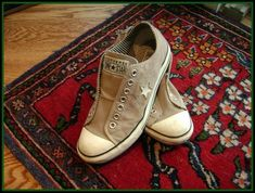 Spring Cleaning: DIY Coffee Filter Shoe Deodorizers {Perfect for your Toms, Converse or Uggs.}