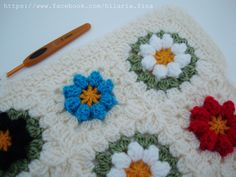 Crochet Daisy Blanket  ❥ 4U hilariafina  http://www.pinterest.com/hilariafina/