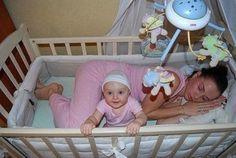 Te is altattad már a gyermekedet? Ugye neked is néha így sikerült?    Te nevetsz eleget?  #nevessmais