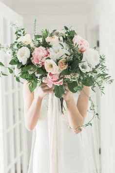 Blush and greenery wedding bouquet: Photography: Meredith Jane - https://www.meredithjanephoto.com/